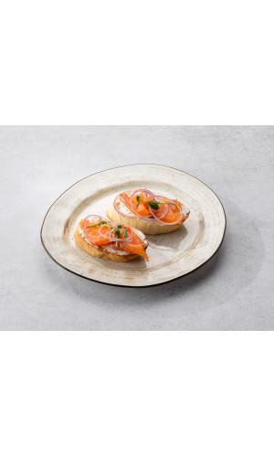 Брускетта с лососем и сливочным сыром  2шт