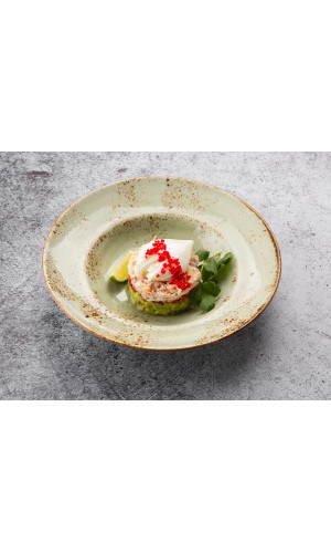 Тар-тар из краба с авокадо и яйцом пашот