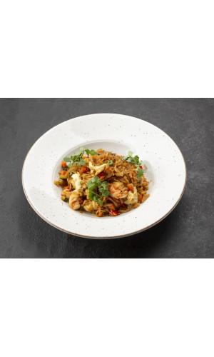 WOK Жареный рис по-тайски с креветками, яйцом и овощами