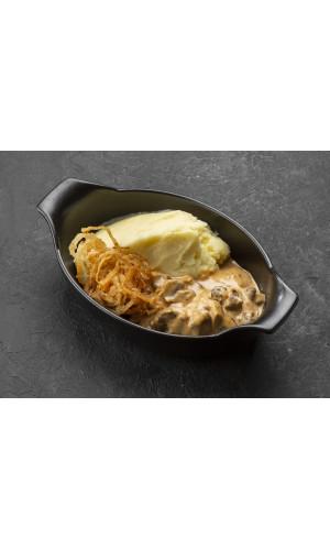 Бефстроганов из говядины с толчёным картофелем